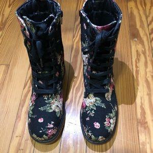Black floral print combat boots NWOT